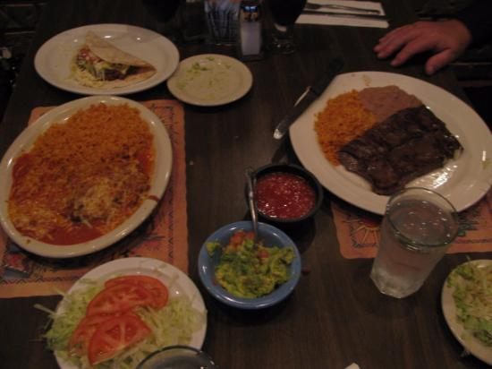 LaFiesta Azteca: Meal from another table