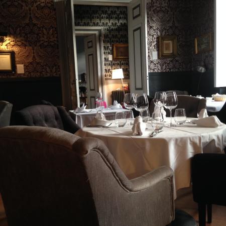 Beaumont de Lomagne, Francia: le salon, salle à manger