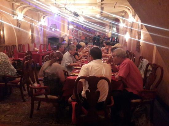 Ararat restaurant fotograf a de ararat restaurant erev n for Ararat armenian cuisine
