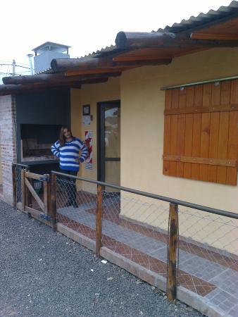 Cabanas La Gloria: Mi esposa en la entrada