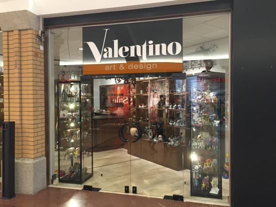 Valentino Art & Design