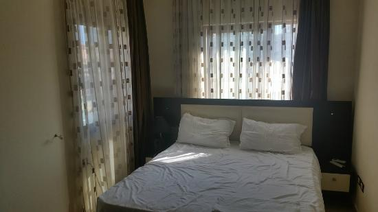 Hotel Vila e Arte: double bed