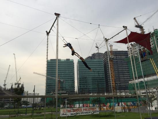 Flying Trapeze Philippines Image