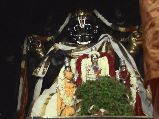 Namakkal, الهند: Rock cut Narsimha Temple, Namakkal