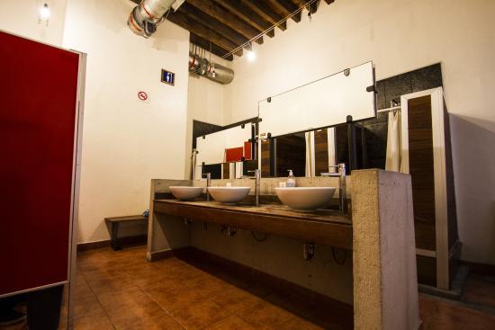 Hostal Centro Historico Regina: Bathroom 3