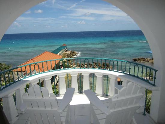 Franklyn D Resort & Spa: Room Balcony