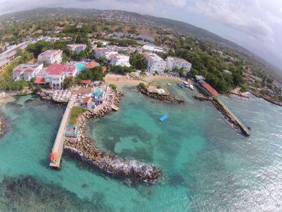 Franklyn D Resort & Spa: Property View