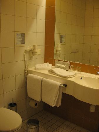 Scandic Alvik: Ванная комната