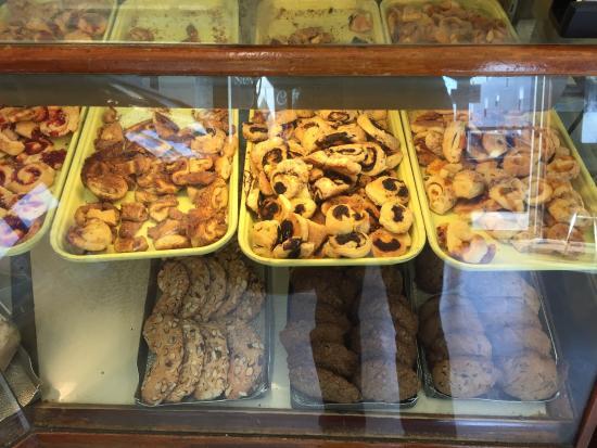 the hateful bagel lady review of newmans bakery swampscott ma tripadvisor - Gourmet Garden Swampscott