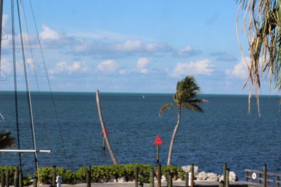 Marathon Key Beach Club : View from our balcony