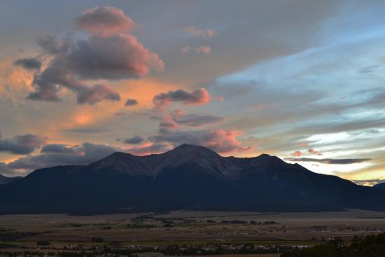 setting sun over Collegiate Peaks Scenic Overlook