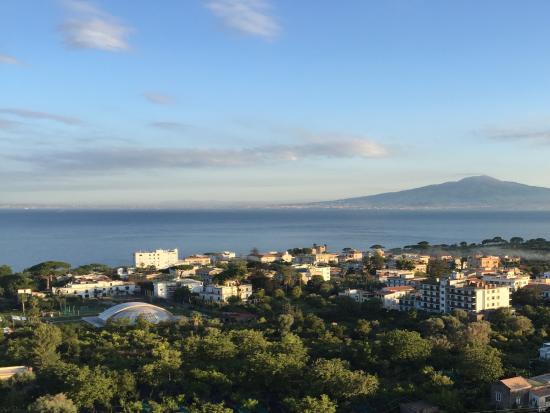 Cristina Hotel: Sunrise view from hotel balcony