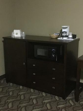 Springfield, OR: Cabinet for fridge, microwave, 3 generous drawers, coffeemaker