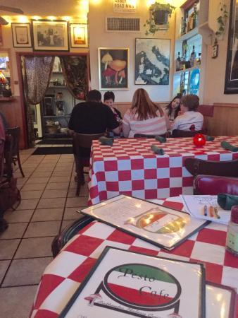 Pesto Cafe: Busy Friday night