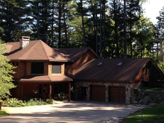 Chestertown, NY: Front of lodge