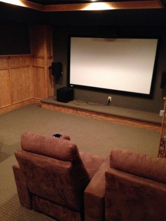 Chestertown, NY: Downstairs media room