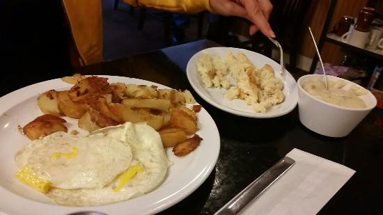 Arnold, MO: Breakfast homestyle