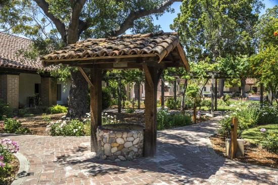 Inn at San Luis Obispo: Wishing Well at San Luis Obispo Mission