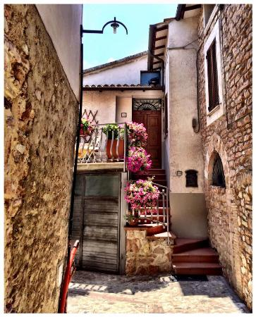 Il Borgo di Messenano: Entry to the apartment - so pretty