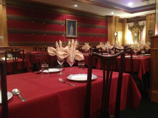 Dusit Thai: Interior of Restaurant