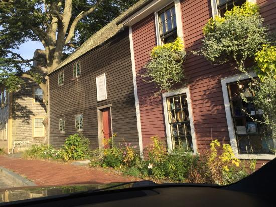 Richard Sparrow House : The oldest home in Plymouth.