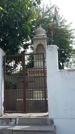 Vaishali, อินเดีย: Jain Temple at Bawan Pokhar