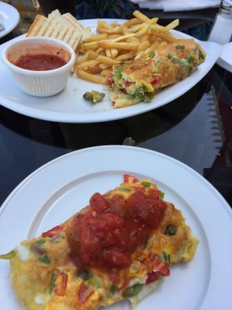 Carino's: اومليت للفطور الصباحي