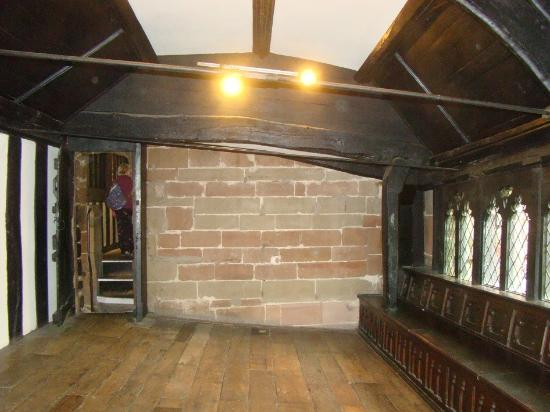Coventry, UK: Sloping floor, St Mary's Guildhall