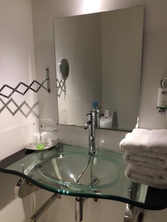 Hotel M : Vies générales chambre 32