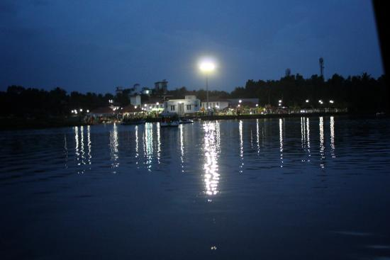 Tripunithura, India: Views from Lake