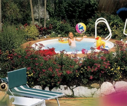 whirlpool im garten 35 - 38°c - picture of hotel johann, saalbach, Gartengestaltung