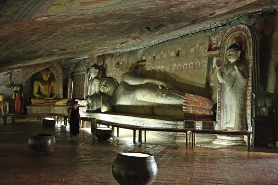 Golden Temple of Dambulla: Interno sala