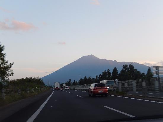 Mt. Iwate : 東北自動車道からの勇姿