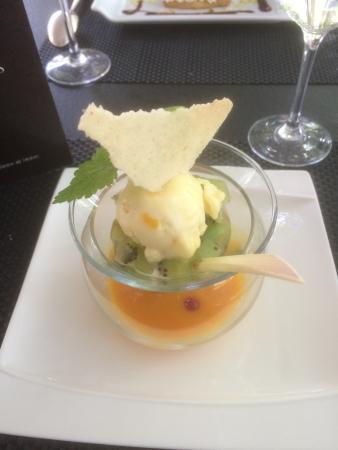 Buzancais, Francia: minestrone mangue, passion, kiwi et menthe poivrée