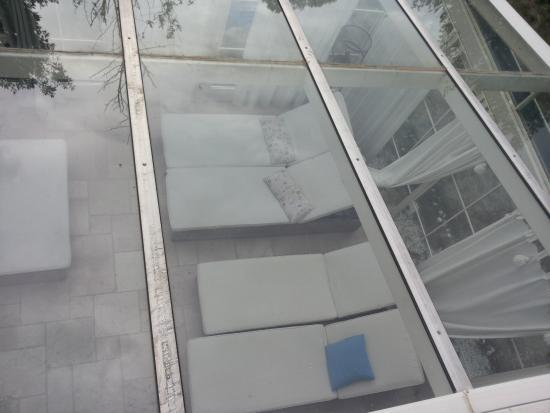 Gabbro, Itália: Veranda dalla finestra della camera Acqua