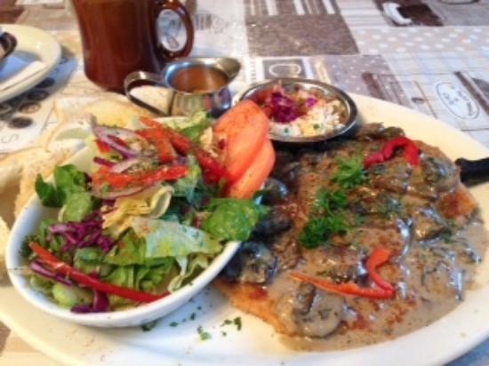 Swiss Bear Restaurant & Bakery: Schnitzel ---yummy