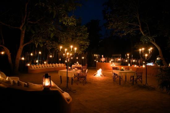 Chaughan Dining Under The Stars Picture Of Singinawa Jungle Lodge Kanha