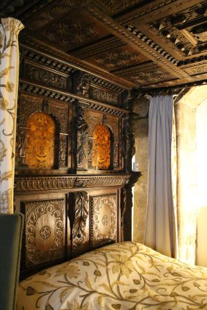 Gladstone's Land: Bett im Hauptraum