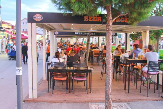 Beer & Burger Corner