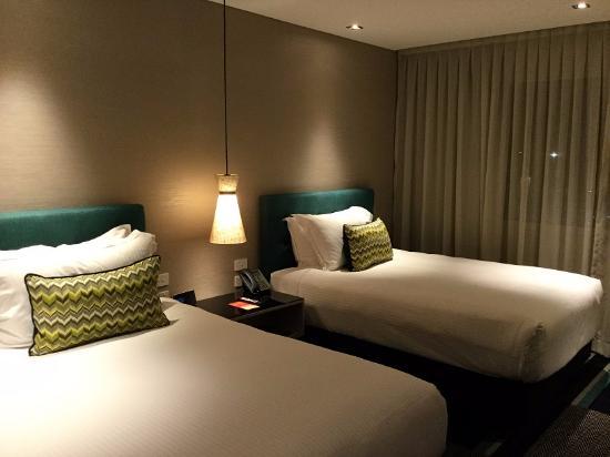 Crown Promenade Perth: Bedroom view