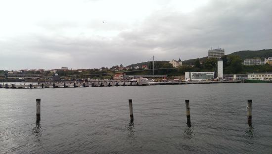 Footbridge: Pohled na most z mola