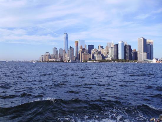 Manhattan by Sail - Shearwater Classic Schooner : View of Manhattan
