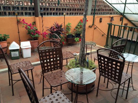 Posada Juma Ocag: 2nd floor terrace beautifully lit at night as well