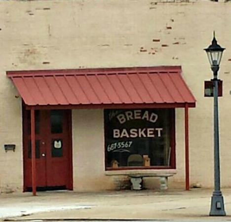 ‪Bread Basket Deli‬