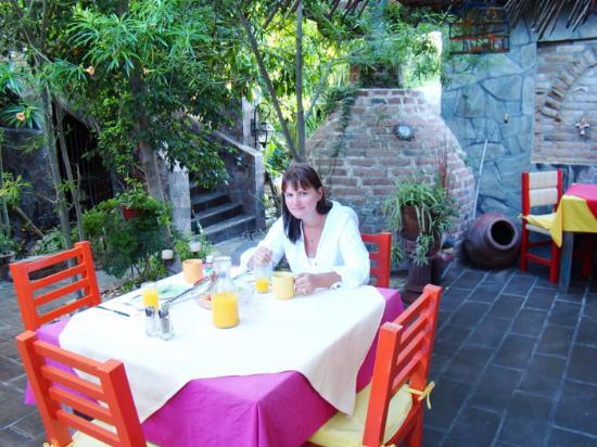 #El Nido at Hacienda Escondida: Xochil's breakfast hospitality