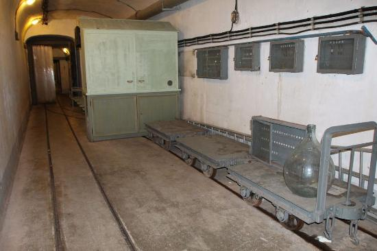 couloir d\'entrée - Picture of Fort de la ligne Maginot, Sainte-Agnes ...