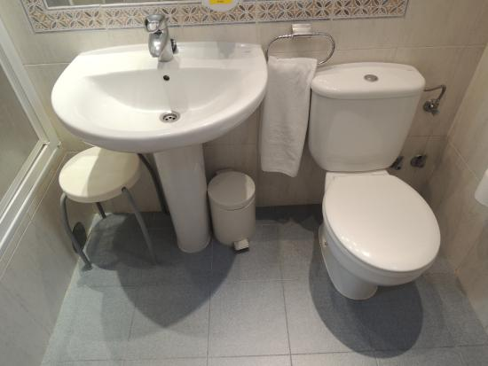 BEST WESTERN Carlos V: bathroom