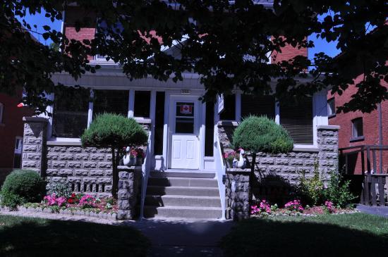 Ambassador B&B Guest Home