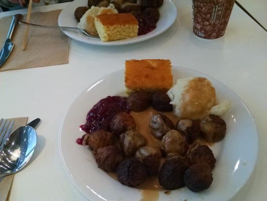 Swedish meatballs potatoes cornbread and lingonberry for Restaurant ikea miami