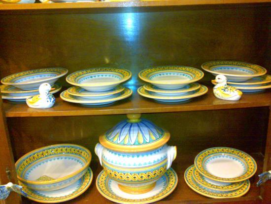 Piatti Ceramica Di Caltagirone.Servizio Piatti X12 Persone Foto Di Ceramiche Artistiche Giuseppe